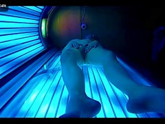 teen scarno in solarium.mp4
