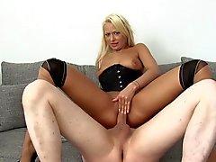 Super Poschi - Julie Hunter 2