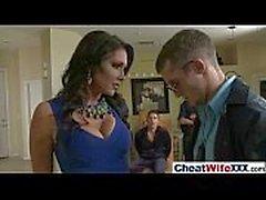 (Jessica jaymes) La esposa encantadora atractiva tiene gusto de hacer trampa en la cinta de la acción del estilo del sexo duro movie-12
