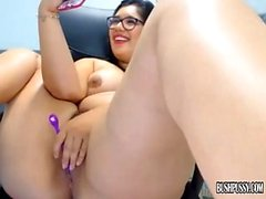 Big boobs cam juguetes sexuales posando