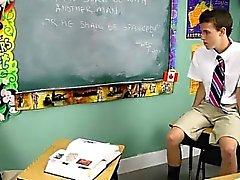 Kızgın Gey bir sahne Dustin Revees ve Leo Page 2 de ilkokul öğrencisi st vardır
