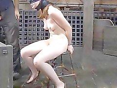 Villein riceve il suo castoro punita da Domme
