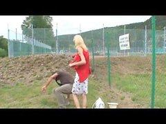 Succhia cazzo nel parco pubblico