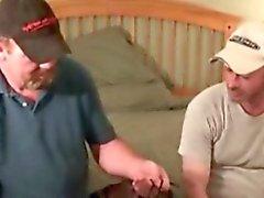 Amateuristic видео двух медведей начать раздевание Афоризм