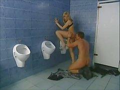 Italie salle matures Blonde bon baiser
