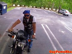 Biker pawnclient трахнул залогодержателю