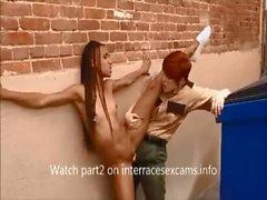 Vankilan vartija on musta lesbo