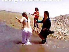 Pakistanischer Karachi Sindh Tantchen Akt River Bath