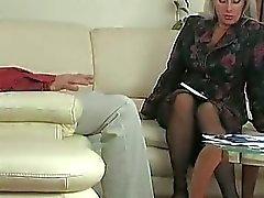 oralniy-seks-so-zreloy-damoy