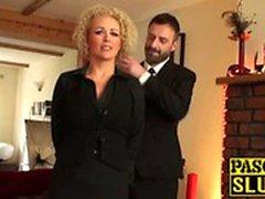 Busty babe Rebecca Smyth knullas som en riktig underdådig slampa