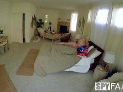 cazzo SpyFam vischio di Natale dopo la doccia con bionda Lily Rader