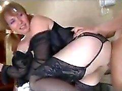 Pigtailed Milf har sex med mycket tidigare kille eftersom hon alltid Wan