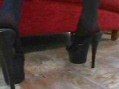 Posti di lavoro piedi rossi