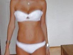 Catwalk - Beautiful Venäjä tyttö alusvaatteet ja korot