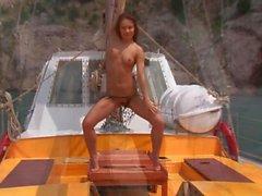 Lean - yacht