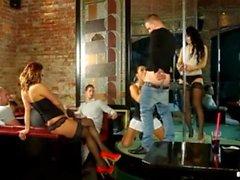 strippari Club go BI kohtaus 1-