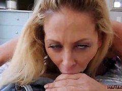 Associate Tochter von Mama und Papa Schläger bestraft wird