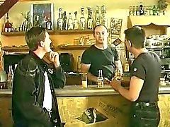 dubbele penetratie in een Frans restaurant