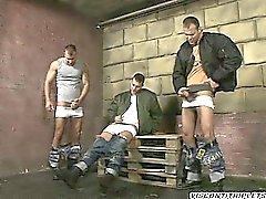 De 3 los hermanos guapos tienen tabú modo que masturbar conjunto