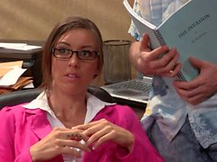 Asian babe Kaylani Lei gives office blow job
