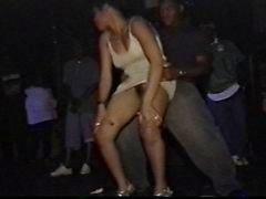 musta up hame dancer