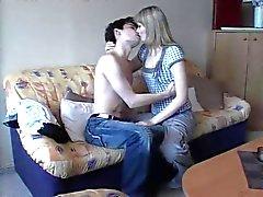 Sexy couple amateur qui 18 ans