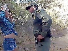 Mexikanische Grenzpatrouille Gets eine Festlichkeit