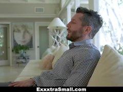 ExxxtraSmall - apretada pequeña adolescente obtiene su coño railed