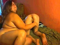 amateur sweetycatherine fingering herself on live webcam