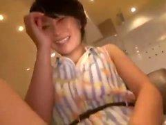 Волосатая мокрая японская азиатская девушка Threesome Double