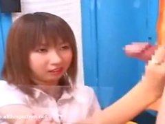 Japon CFNM Japon kız adam jacking kapalı ve daha fazla çizer
