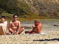 De 3 gay na praia