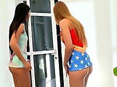 Net Lady Dee ve Alexis Crystal'in en sıcak gençleri