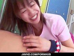 Gallardo juego porno por masajista córnea Rika Kitano