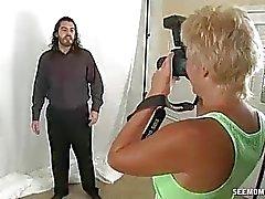 Horny Milf veut chanter des modèles Big Cock