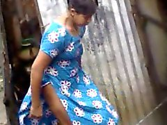 Bangla desi village girls bathing in Dhaka city HQ (4)