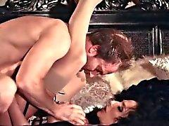 Фотографий грудастая брюнетка шлюха Жаклин Тейлор поглощает Кончить теплой