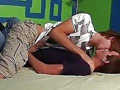 Twink die Liebe sich in Schlafzimmer