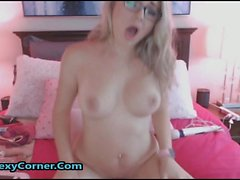 Video webcam del mio busty bionda Nerdy Ex GF Masturbarsi
