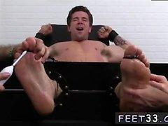 Les gars de l'iran dans le porno gay Trenton Ducati Bound & Tickle d