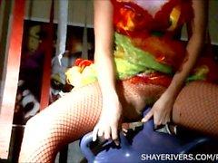 Shaye ha fiumi Halloween pagliaccio di Masturbazione