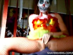 Shaye Rivers Halloween Payaso Masturbación