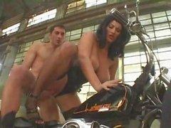 Monster Saggy Tits Biker Chick Ветиевые кожаные чулки