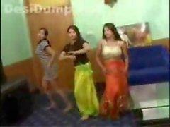 Пакистана подростки танцевальные