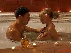 Salle de bain érotique et les sensuelle kiss