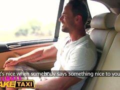 Femminile taxi falso tette enormi tassista vuole del cazzo