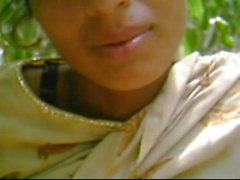 Desi GF Getting Nicely Fuked by BF In Forest wid Audio