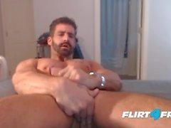 Brett King sur Flirt4Free - Hunk Straight joue avec le cul et Monster Cock