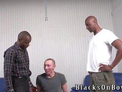 guy polish drôle obtient enculer par des hommes noirs