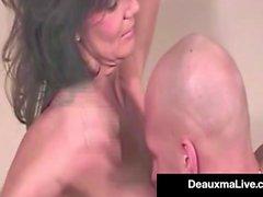 Super Hot Mommy Deauxma visar oss till en av hennes varma första filmerna!